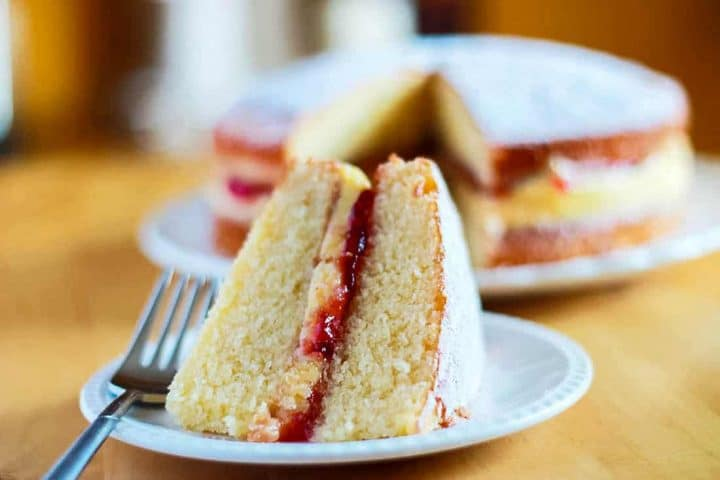 Victoria Sponge Cake Recipe With Buttercream Erren S Kitchen