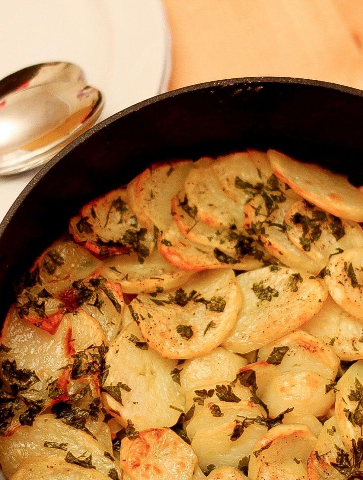 Garlic Roast Potatoes -