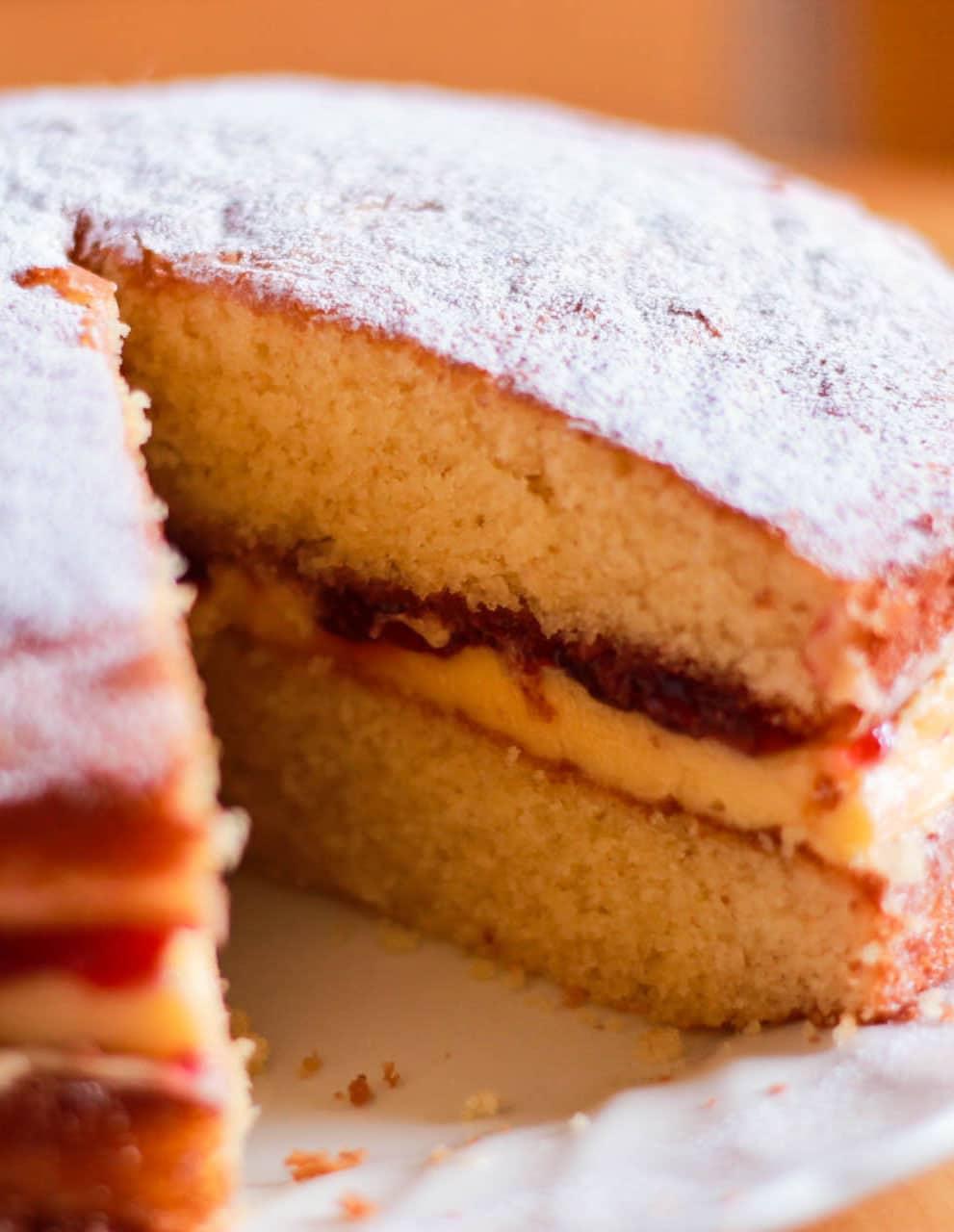 Victoria Sponge Cake - Erren's Kitchen
