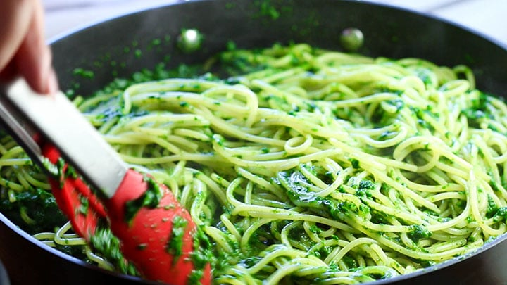 Spaghetti with Spinach Sauce cooked in the pan ready to serve