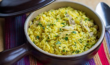 Easy One Pot Chicken and Saffron Rice