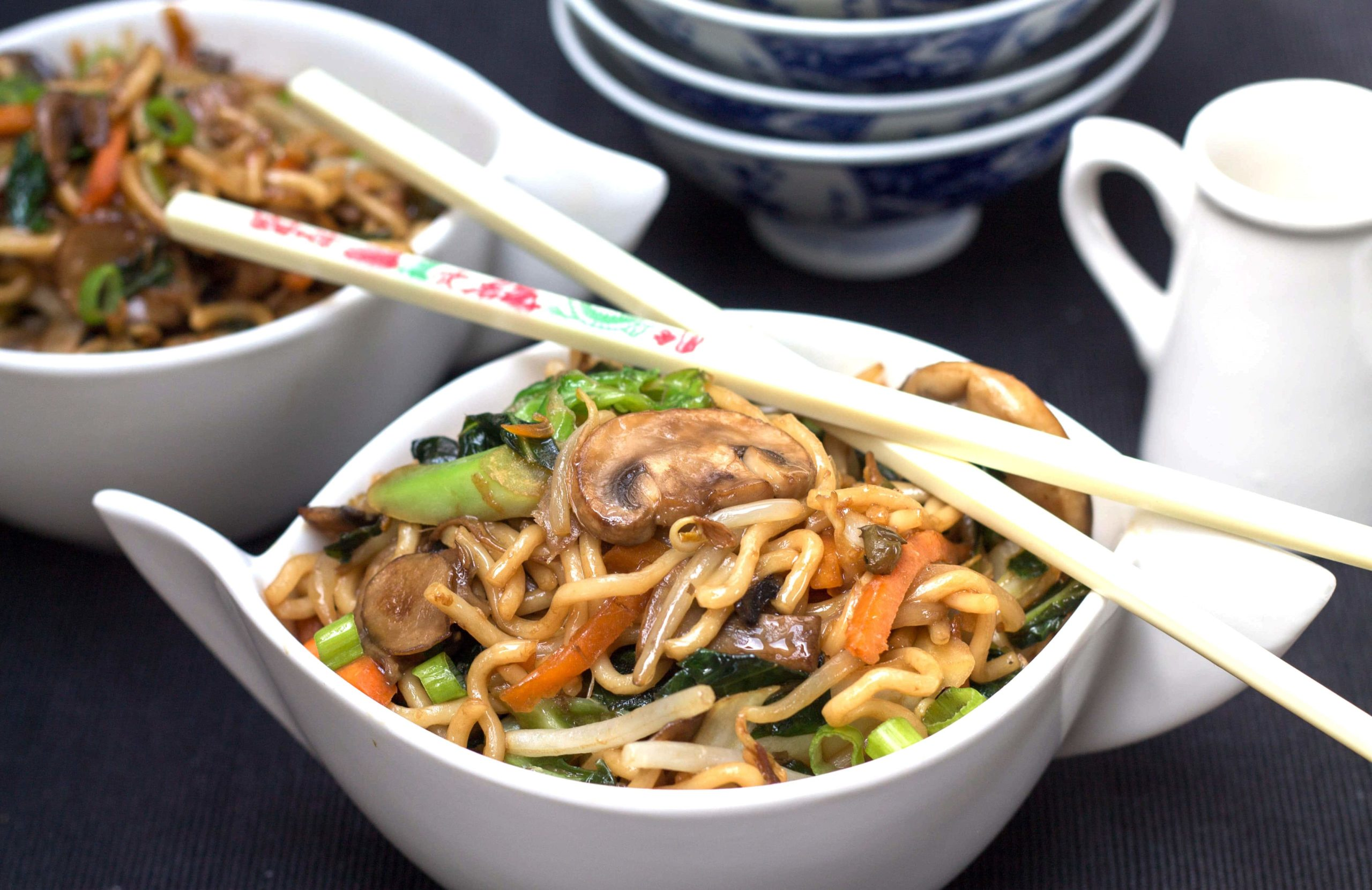 Perfect Chinese Noodles Lo Mein Erren S Kitchen