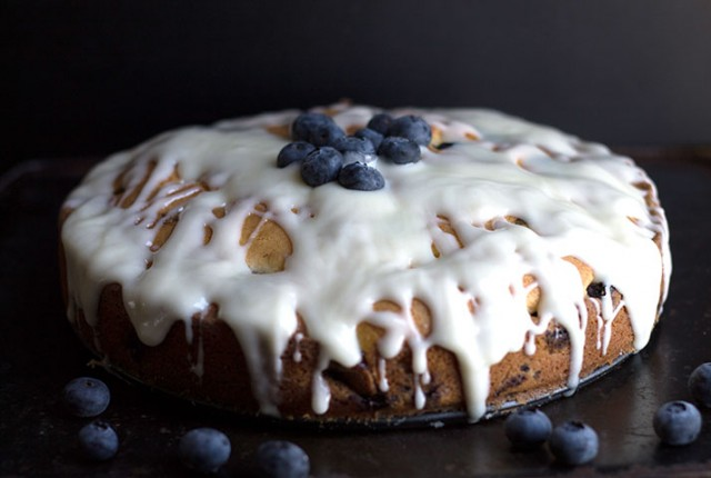 blueberry cake-feature