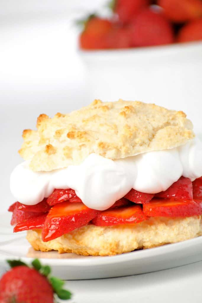 biscuit with strawberries and cream