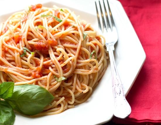 Quick & Easy Tomato Basil Sauce