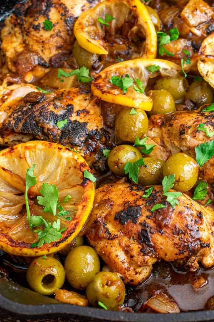 Moroccan chicken with Lemon, Olives and sauce