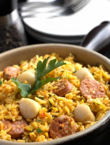 Easy One Pot Scallops & Chorizo Paella