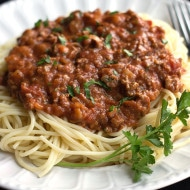 Quick & Easy Spaghetti Bolognese {Meat Sauce}
