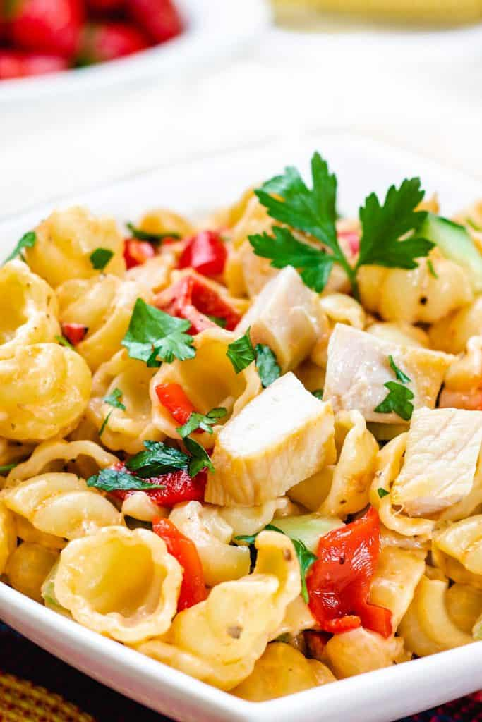 pasta salad with chicken, peppers and herbs