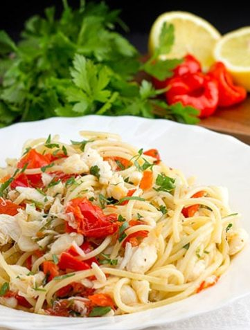 Simple Spaghetti with Crab & Piquante Peppers