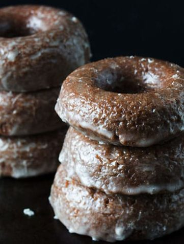 Easy Baked Glazed Chocolate Donuts