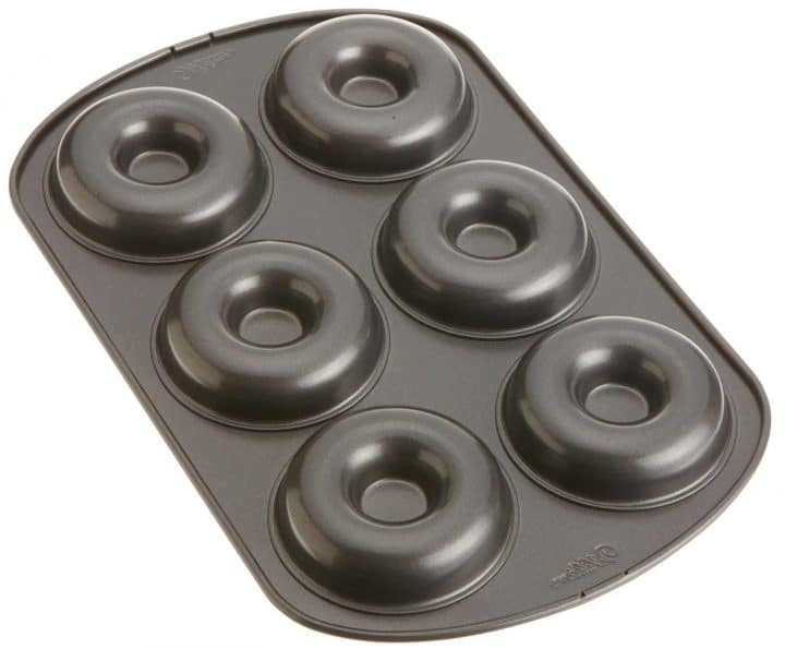 a donut pan with 6 sections