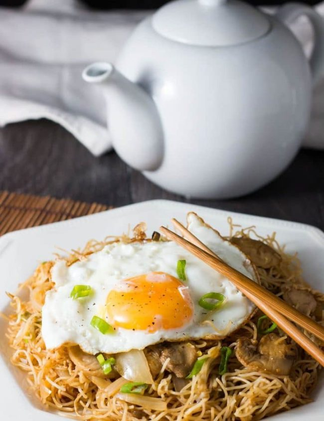 Fried Eggs with Chinese Noodles - Erren's Kitchen - This vegetarian recipe is a super quick and easy meal that's perfect for those busy weeknight suppers.