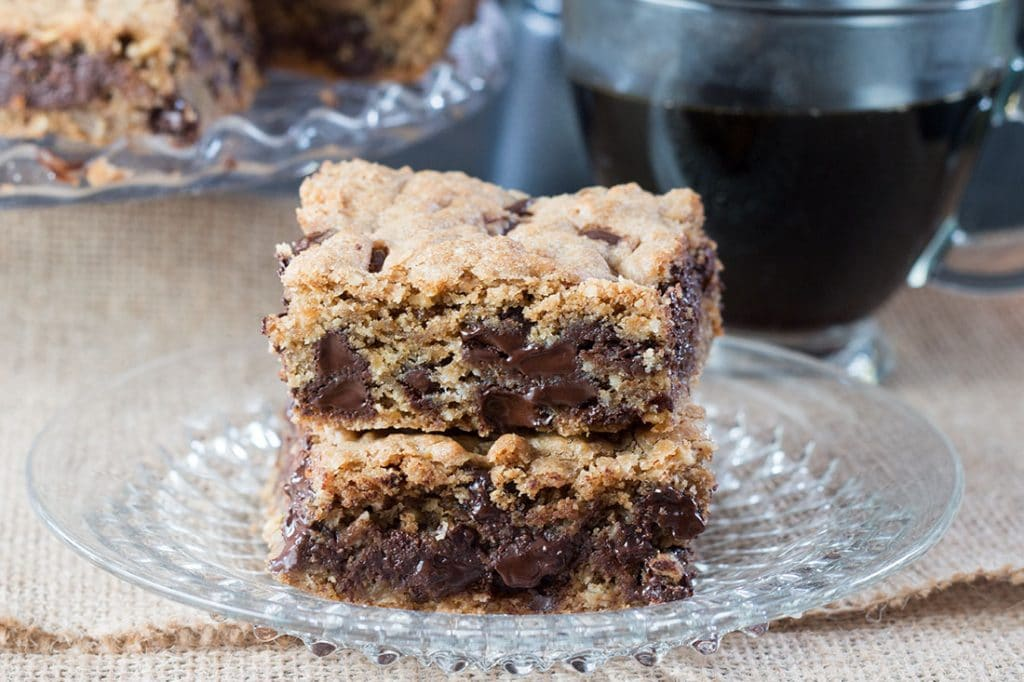 Chocolate Chip Spiced Oat Bars