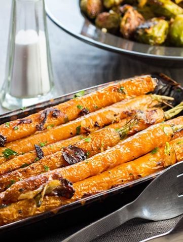 Buttery Balsamic Garlic Roasted Carrots