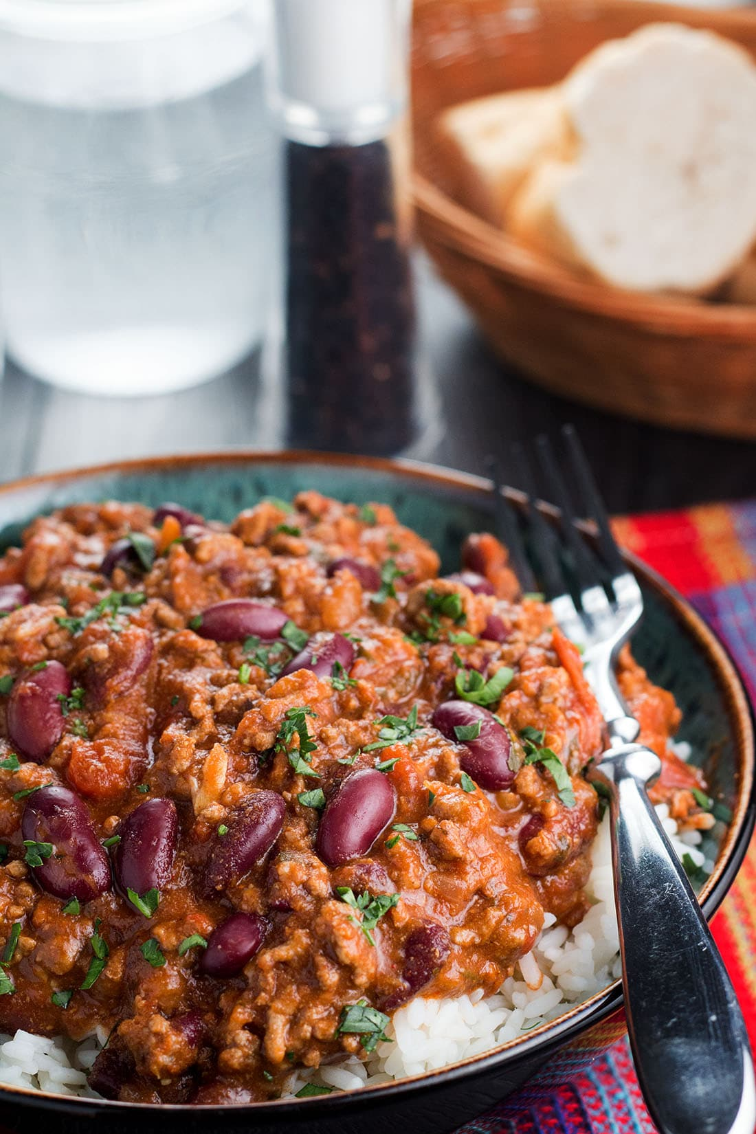 Classic Chili Con Carne - Delicious comfort food at it's finest!