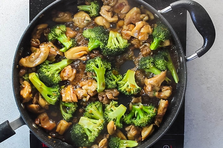The Chinese Chicken and Broccoli cooked in the pan