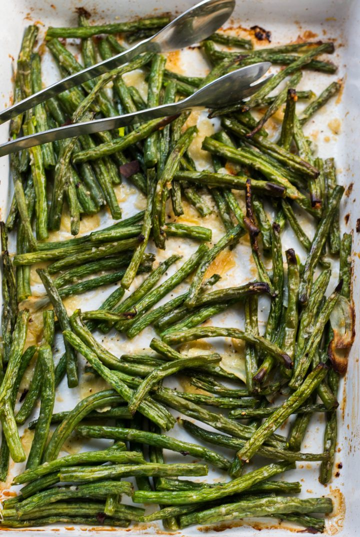 garlic roasted fresh green beans in a pan ready to serve