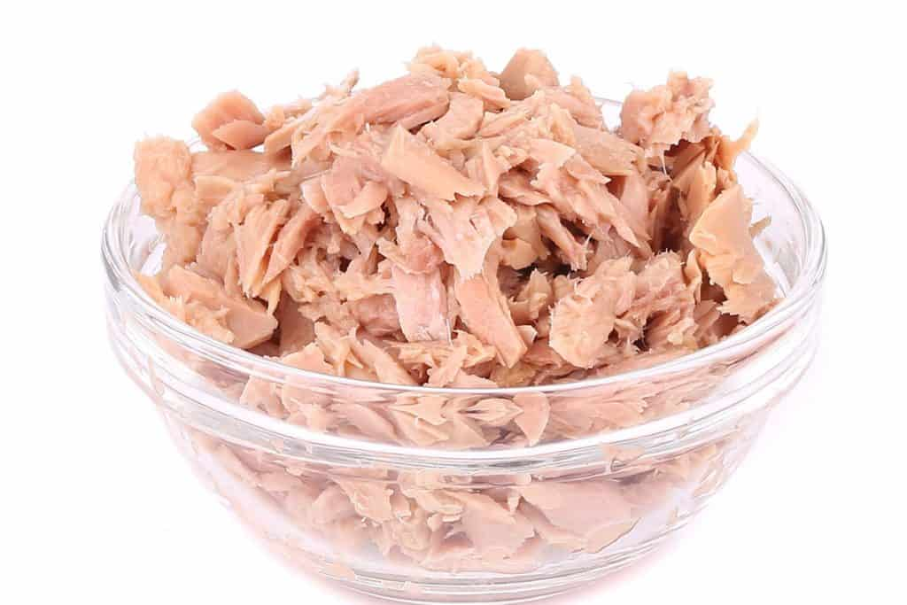 canned tuna drained andbroken up for tuna salad