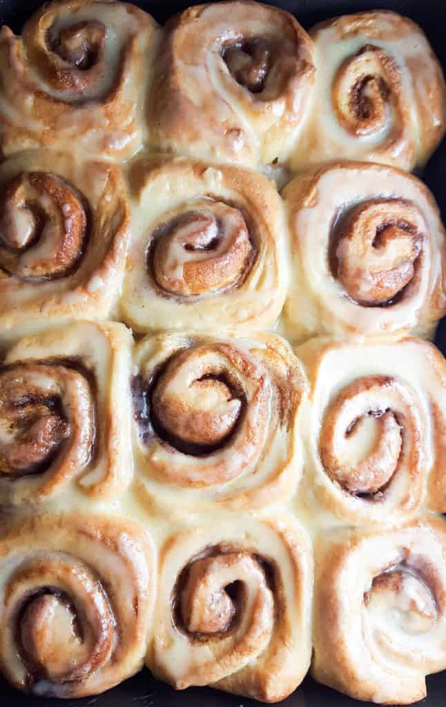 the glazed cinnamon rolls ready to serve
