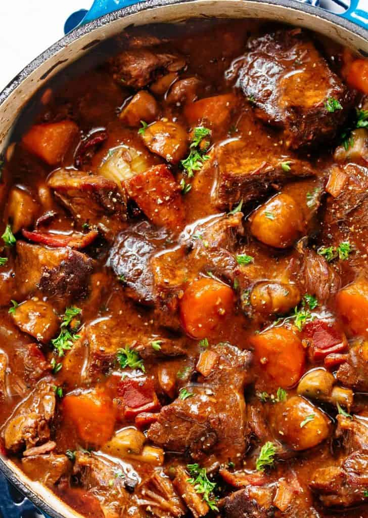 Short ribs in a sauce with vegetables